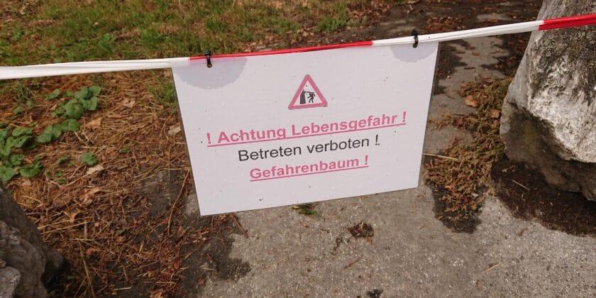 Gesperrte Bank am Hahnenfurter Weg